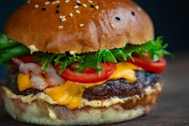 Read more about the article Burger vs Pizza | Health and money comparison