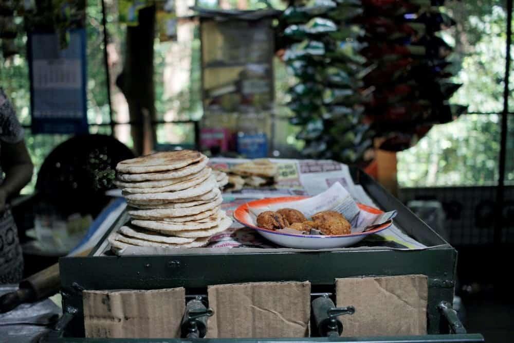 10 foods to try before you die - paneer naan