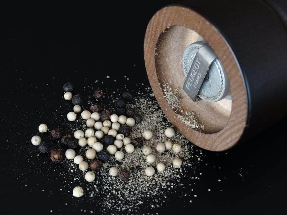 crushed-black-pepper